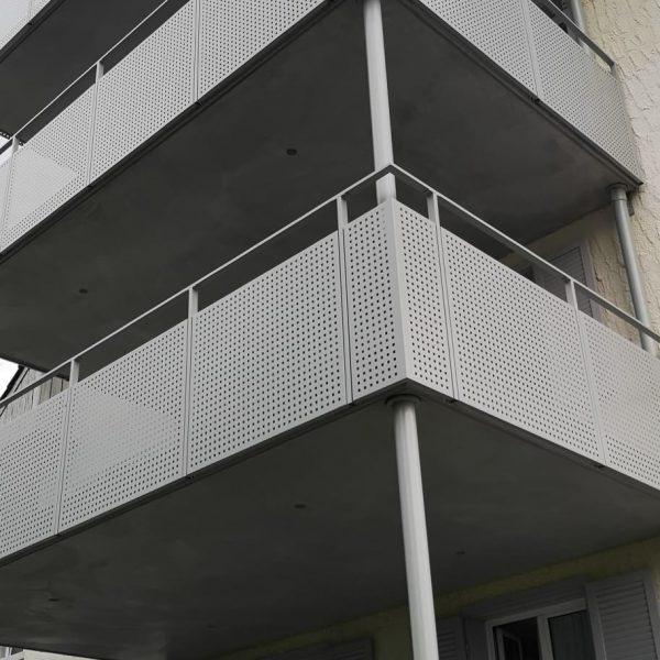 Anbaubalkone, Betonplatte und Aluminium Geländer